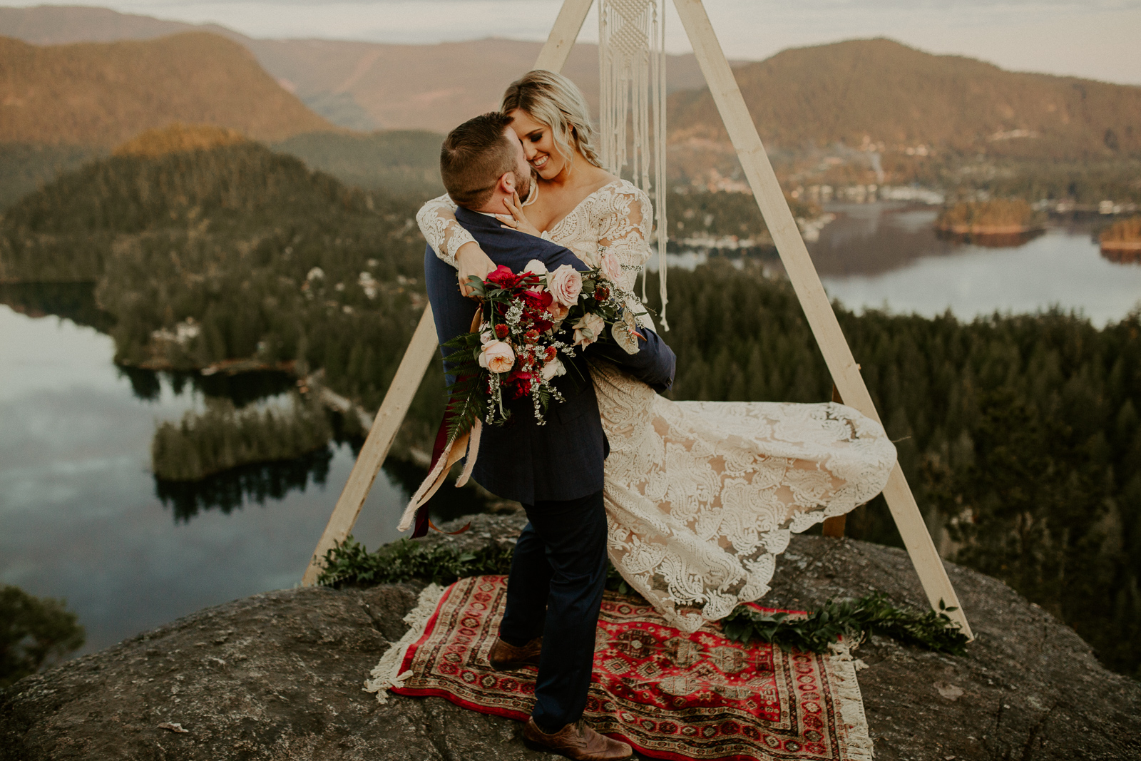 Luke Lambertson Photo_BritishColumbia_Canada_AdventurousCouple_Elopement_IMG-8506.jpg