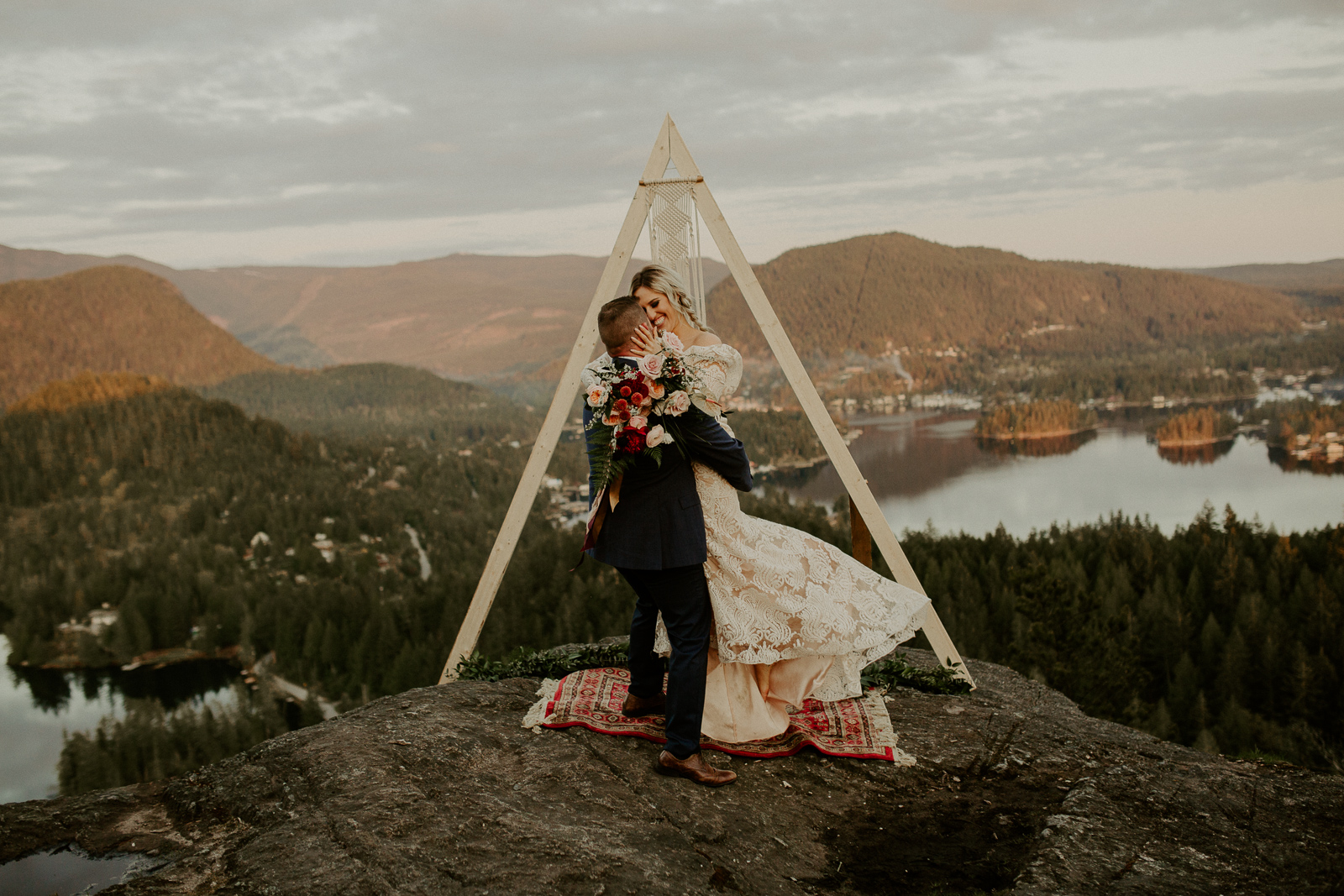 Luke Lambertson Photo_BritishColumbia_Canada_AdventurousCouple_Elopement_IMG-8530.jpg