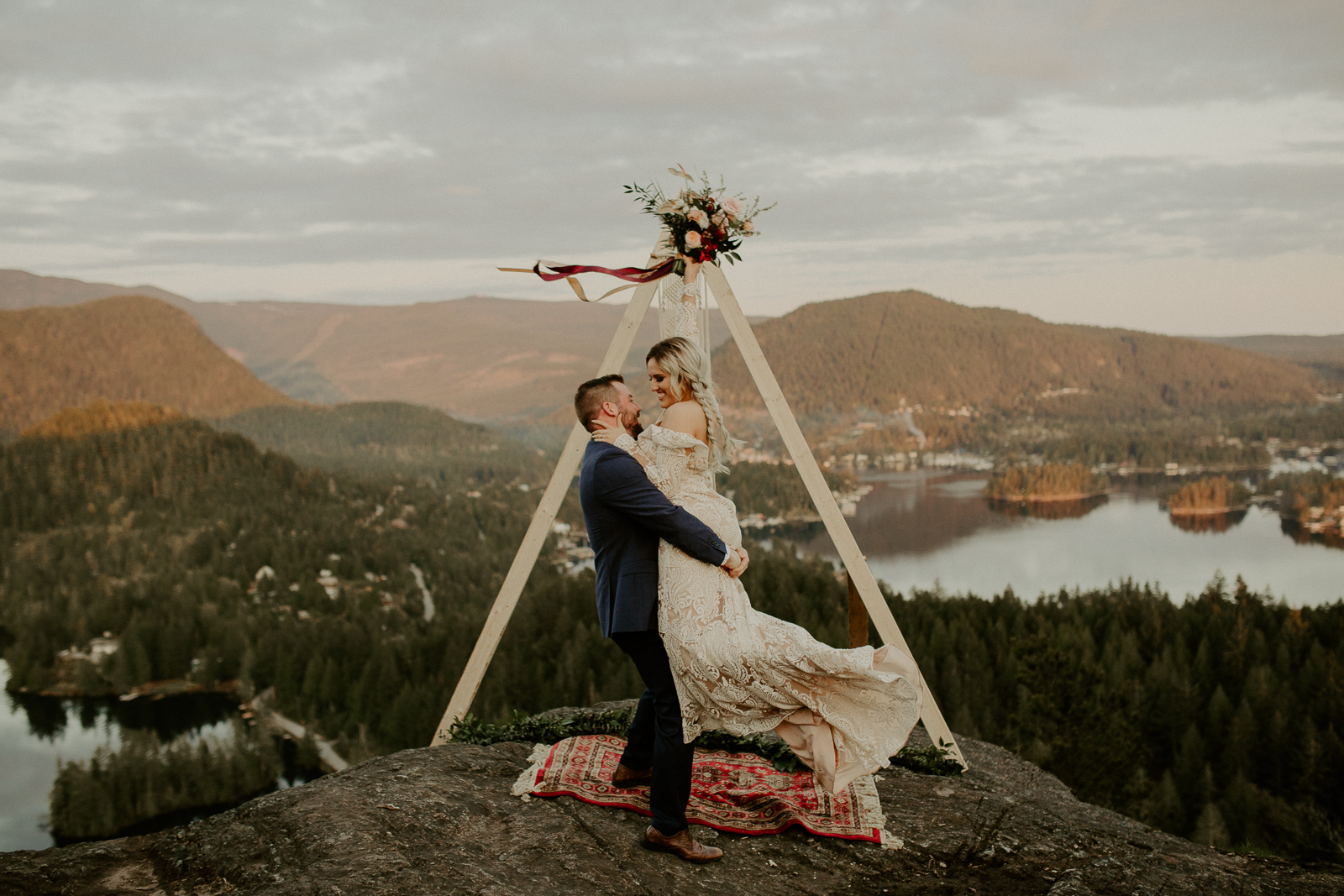 Luke Lambertson Photo_BritishColumbia_Canada_AdventurousCouple_Elopement_IMG-8534.jpg