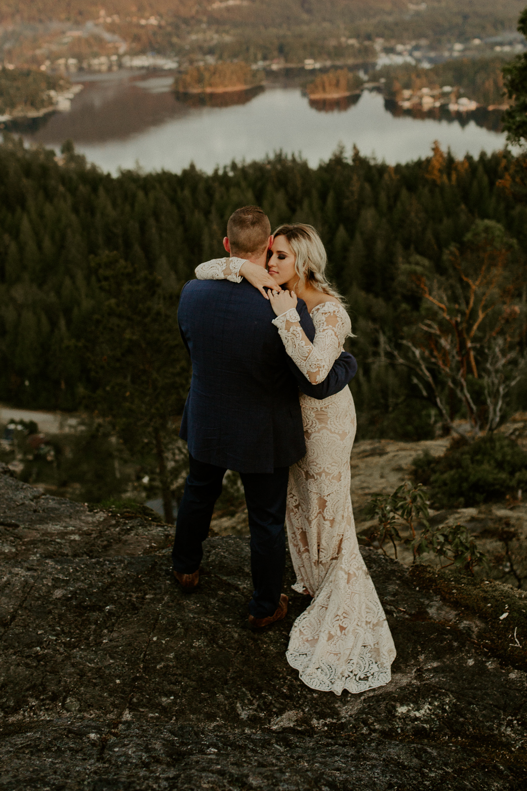 Luke Lambertson Photo_BritishColumbia_Canada_AdventurousCouple_Elopement_IMG-8542.jpg