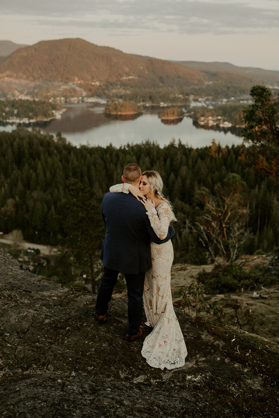 Luke Lambertson Photo_BritishColumbia_Canada_AdventurousCouple_Elopement_IMG-8546.jpg