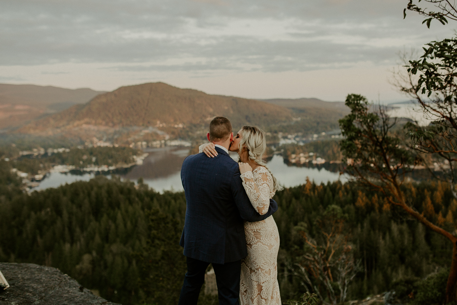 Luke Lambertson Photo_BritishColumbia_Canada_AdventurousCouple_Elopement_IMG-8557.jpg
