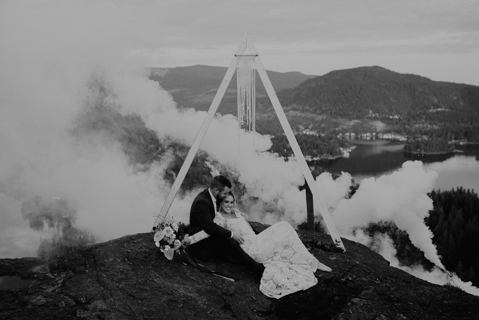 Luke Lambertson Photo_BritishColumbia_Canada_AdventurousCouple_Elopement_IMG-8702-2.jpg