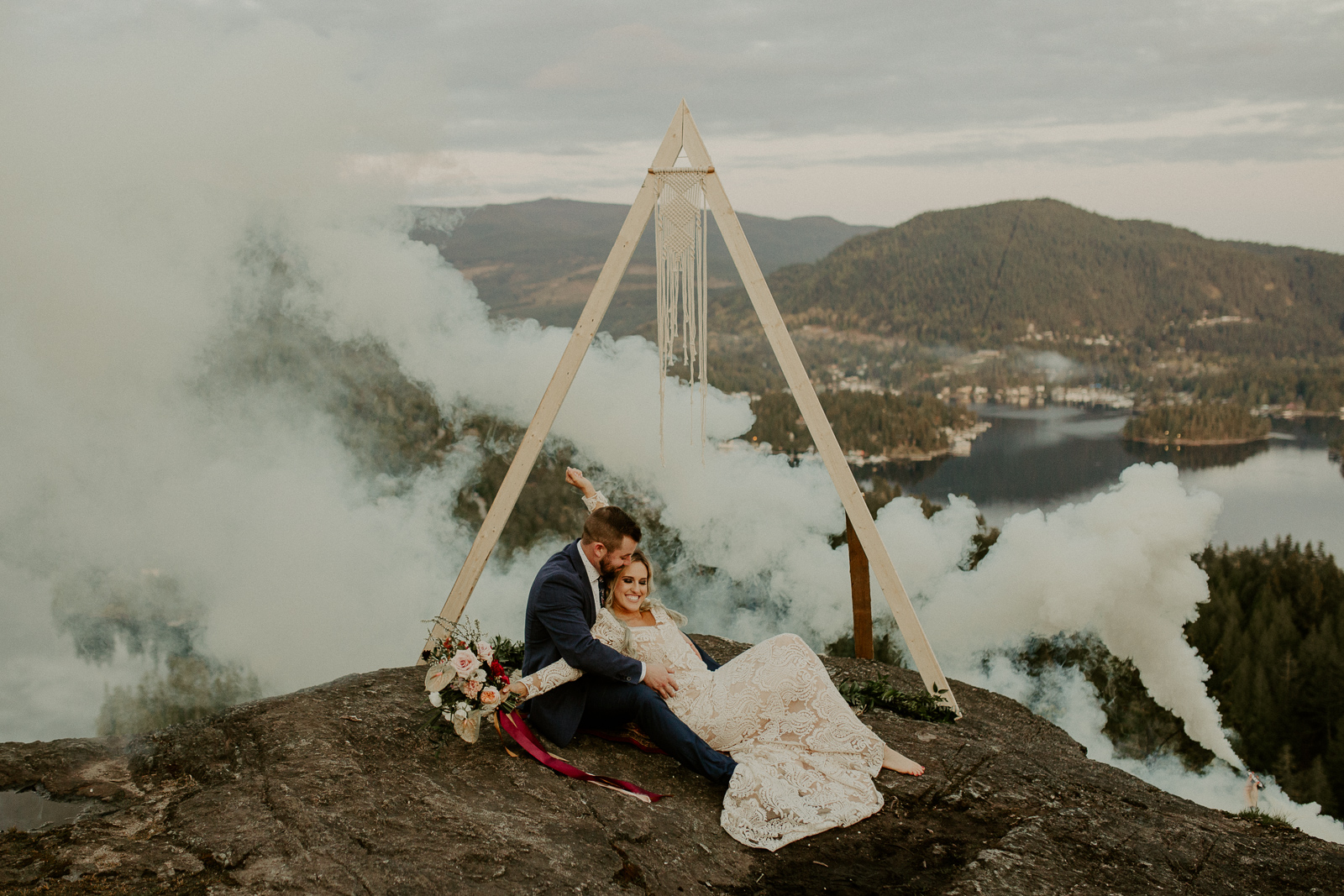 Luke Lambertson Photo_BritishColumbia_Canada_AdventurousCouple_Elopement_IMG-8702.jpg