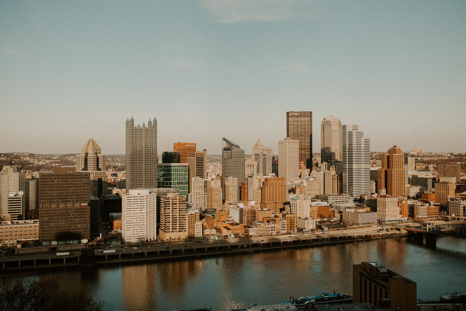 Luke Lambertson Photo_Pittsburgh_SupriseProposal_AllyAndJon_IMG-8907.jpg