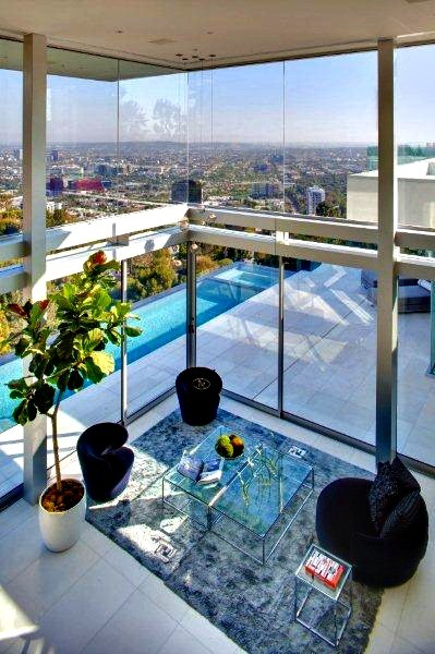 Stellar Views: - A popular neighborhood for tech tycoons, A-list actors and captains of industry, the Bird Streets has commanded top LA prices for many years.