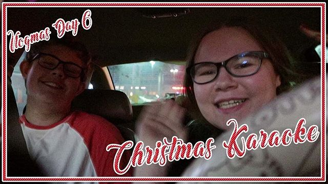 Who doesn't like some karaoke during the holidays?? 👌🏽🎶🎵 Here's @itsAmyCraig's Christmas karaoke!  🔗 https://www.youtube.com/watch?v=SmZRN9oZ29Q #smallyoutuber #karaoke #christmas #Vlogmas2018 #vlogmas 