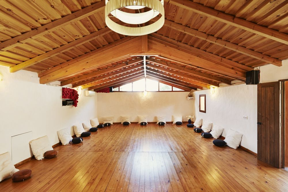 mandalablueyoga_retreat_tarifa_retiro_silent_silence_yoga_and_meditation_PHOTO_1000_1491481237.jpg