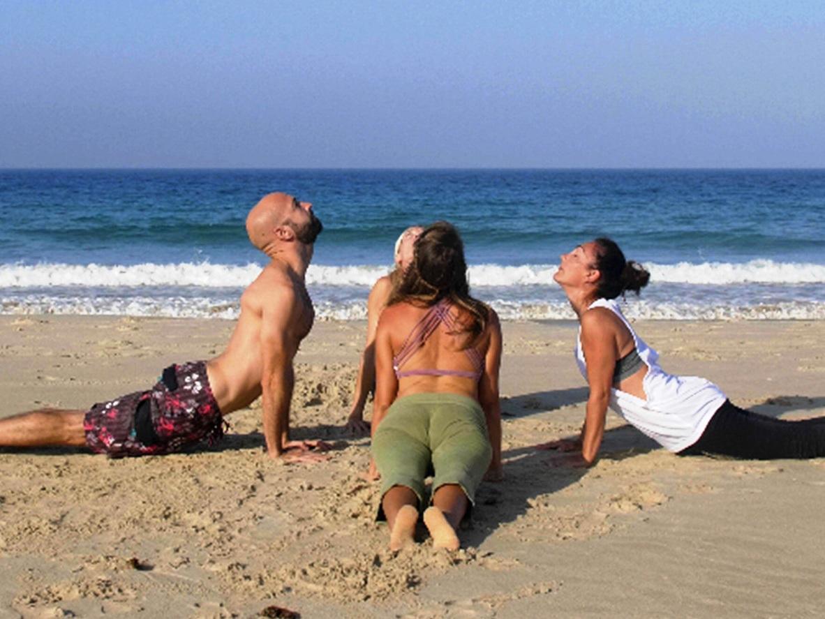 Mandalablue_yoga_beach_playa_tarifa_morning_hatha_vinyasa