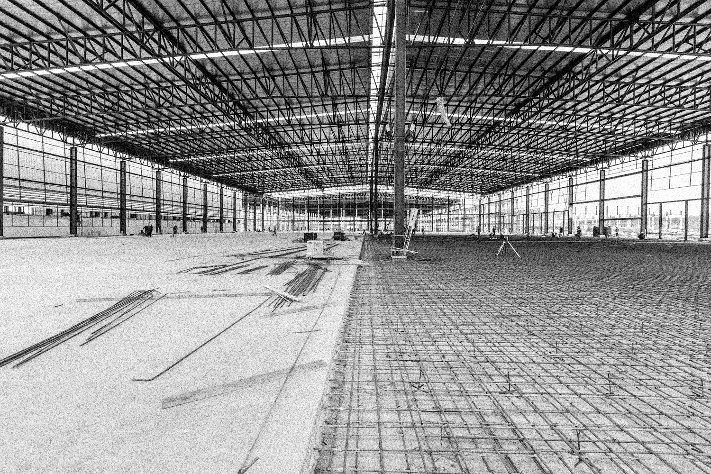 shutterstock_214696396-construction-inside-web-effect.jpg