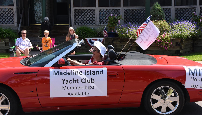 parade car 1500.jpg