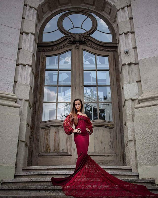 #portraitphotography #portrait #ambientlight #beauty #elegantdress #redress #kecskemet