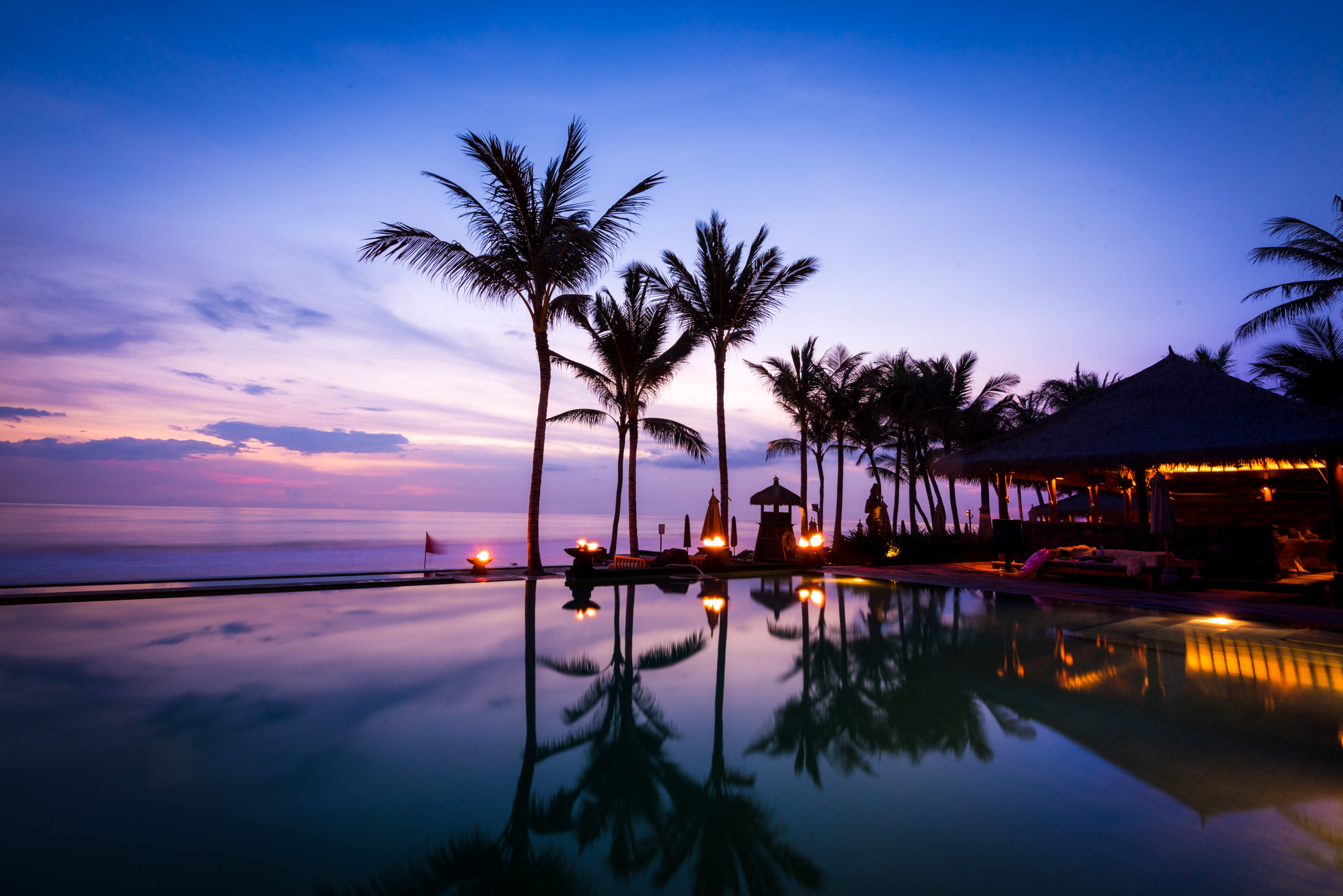 Discover the World's Best Luxury Hotels & Resorts   TasteInHotels showcases the world's most beautiful hotels & resorts — from exclusive cliffside suites in Santorini to luxurious overwater villas in the Maldives — as seen through the eyes of today's most in-the-know travelers