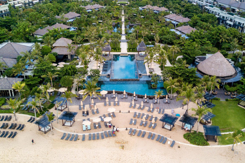 Tasteinhotels The Ritz Carlton Bali A Luxury Beachfront Resort In Nusa Dua