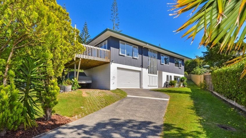 SOLD - 38 AWARUKU ROAD, TORBAY