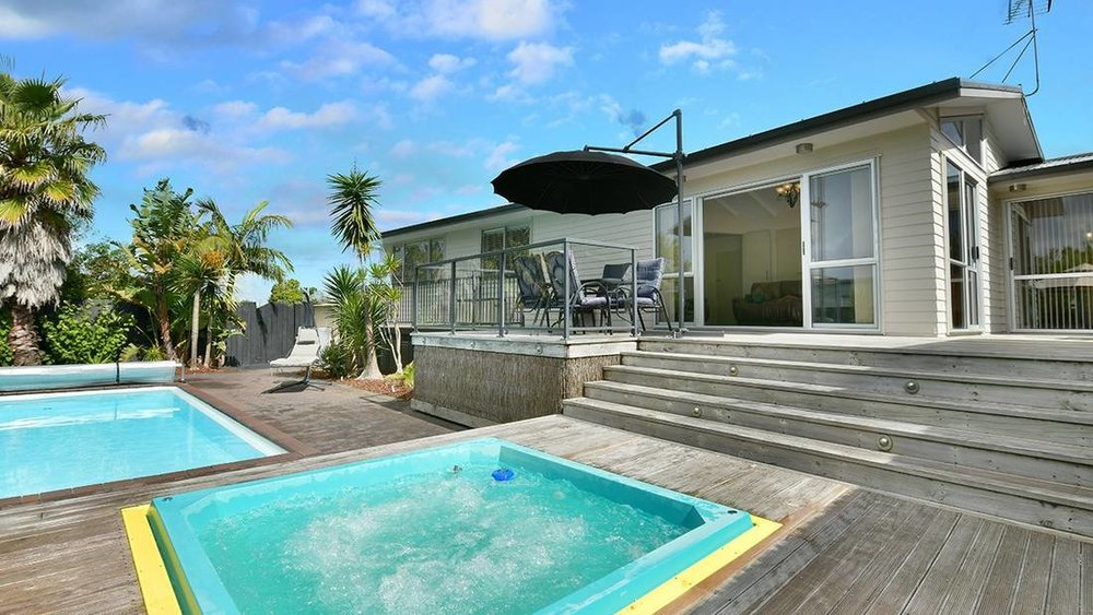 SOLD - 1/875 EAST COAST ROAD, BROWNS BAY