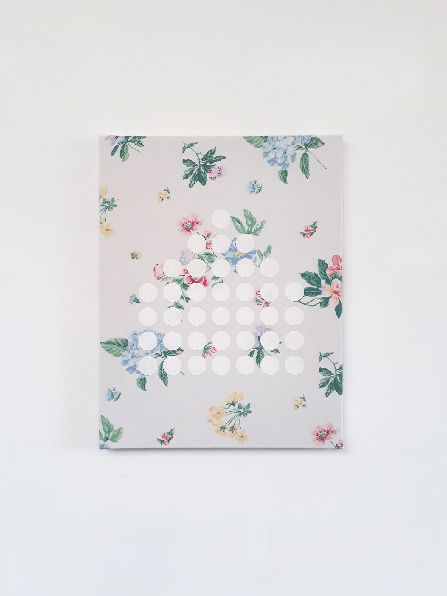 Halftone, 2017 Matt emulsion on pillowcase  46 x 35 cm