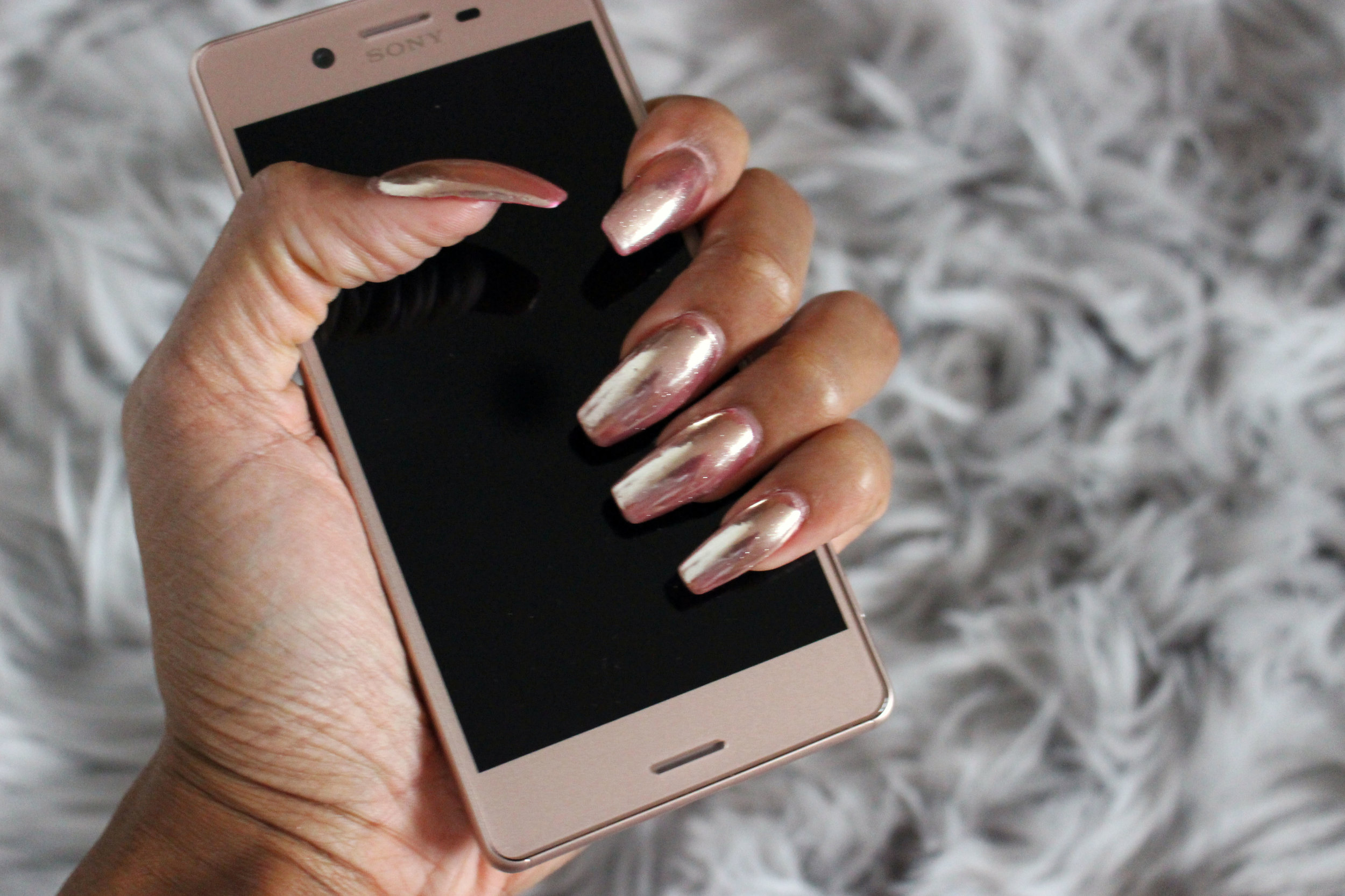 Rose Gold Sony Xperia X Rose Gold Chrome Nails