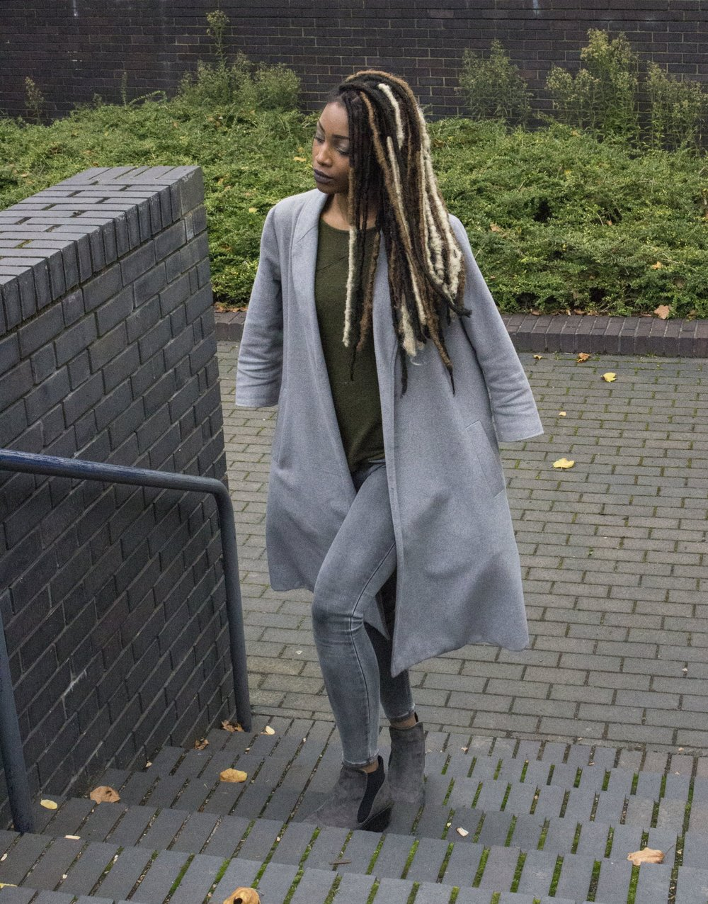 Coat - Amazon    Scarf and jumper - Zara    Jeans and boots - New Look    Watch - Wish    Bag - JustFab