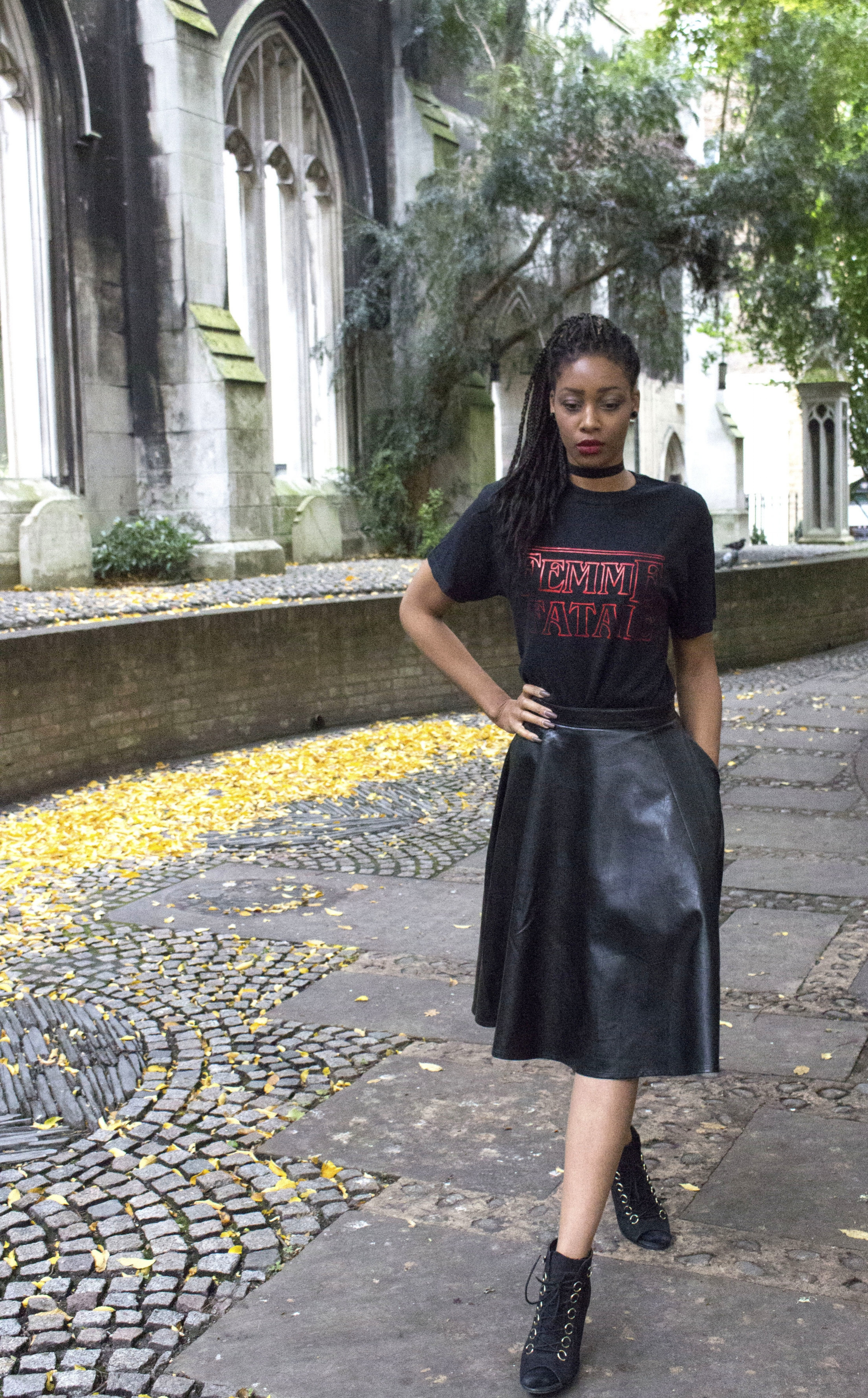 Black femme fatale t shirt black skirt black boots black choker for Autumn Winter 6.jpg