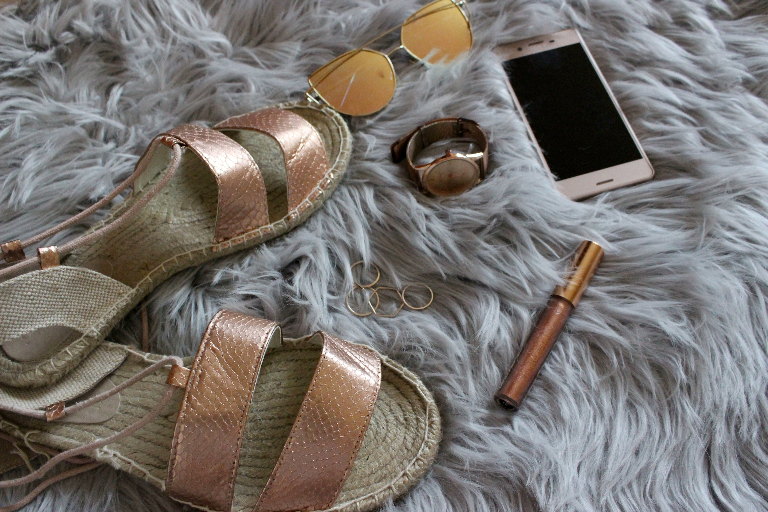 Rose Gold Sandals, Rose Gold Accessories, Rose Gold Lipstick, Rose Gold Xperia X