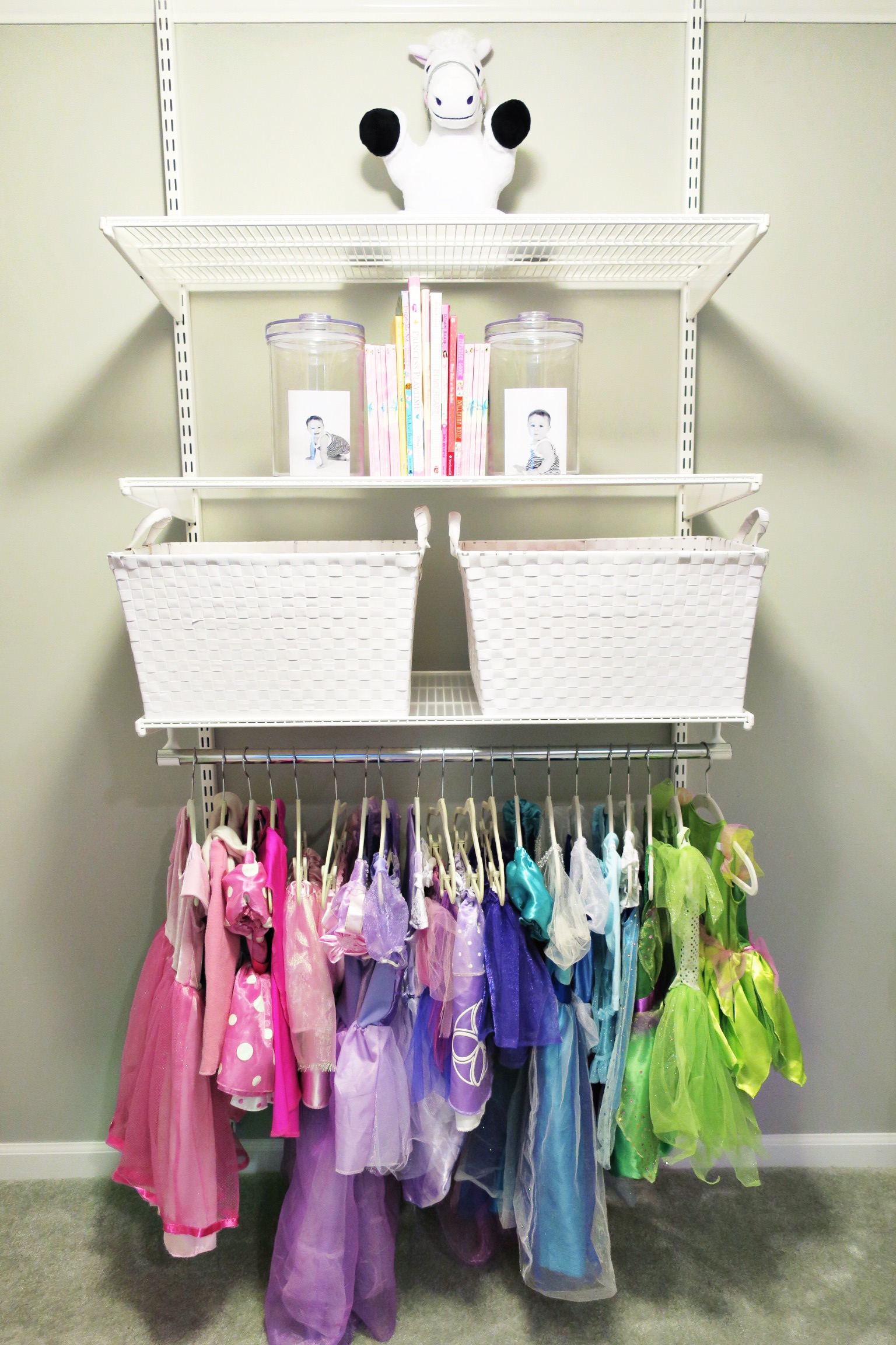 Shelfie_Kids_Organized Dress-up