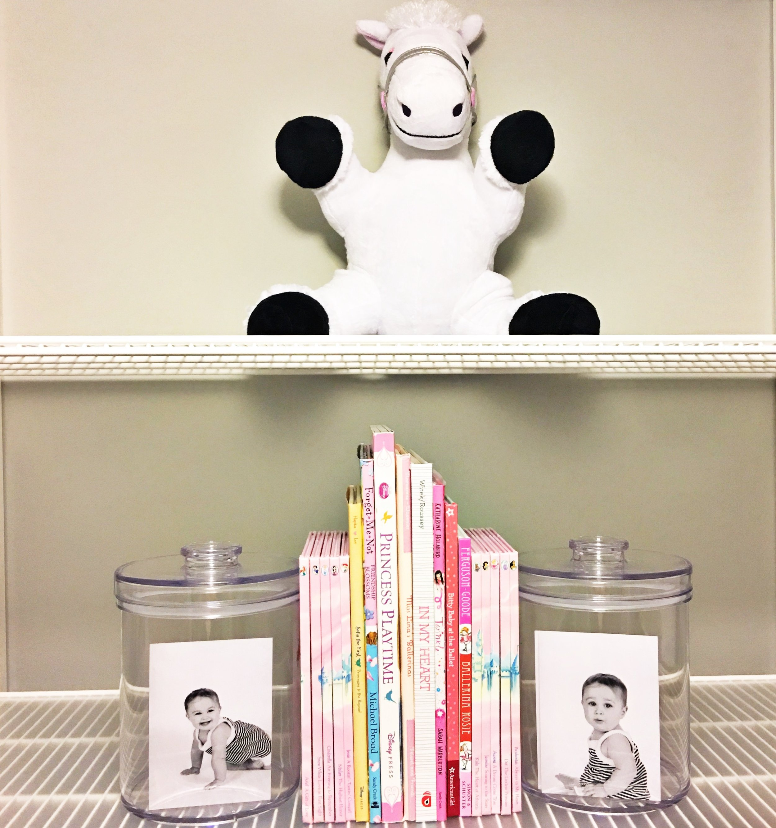 Shelfie_Kids_Organized Books_Creative Bookends