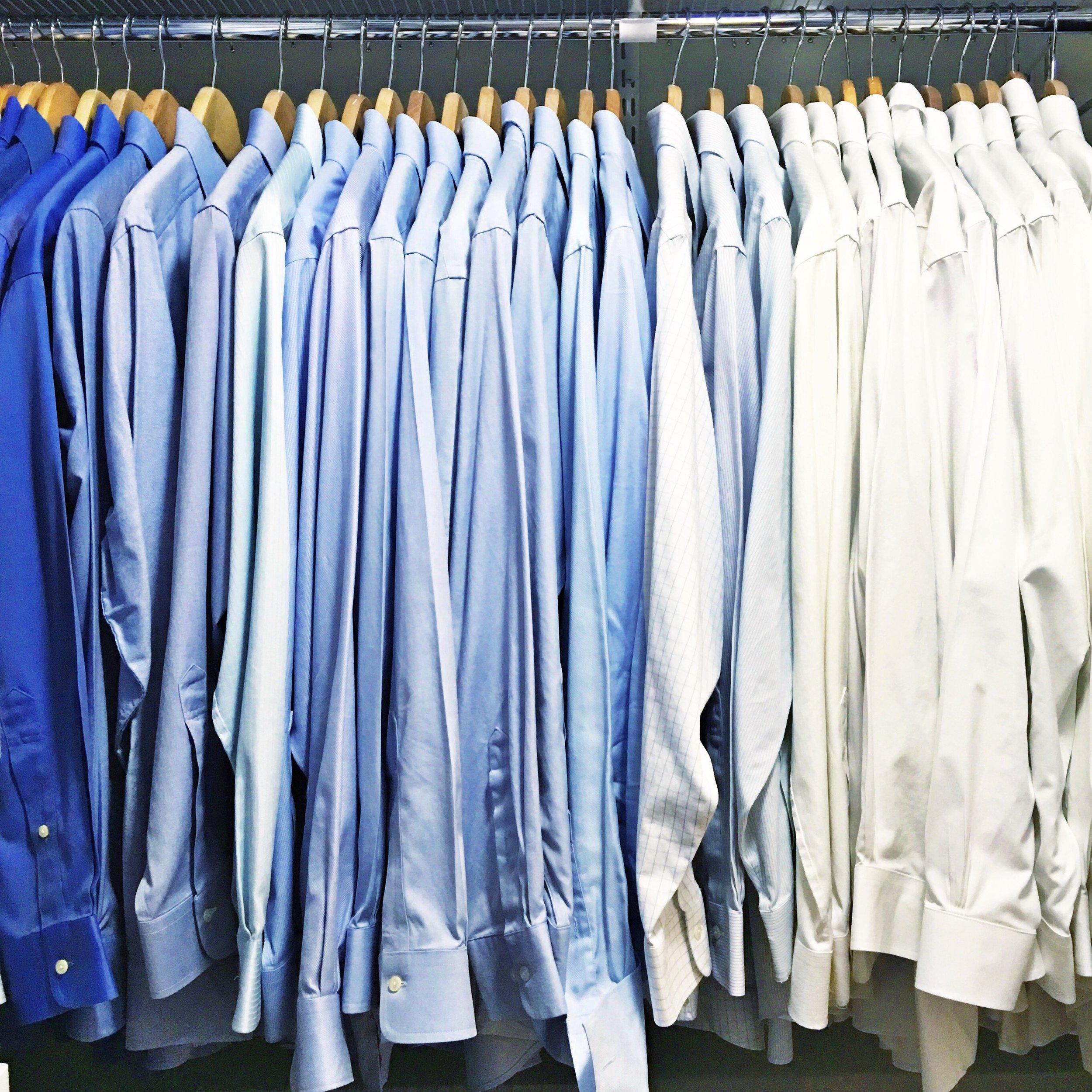 Shelfie_Organized mens shirts_Organized blue Shirts_Organized Closet