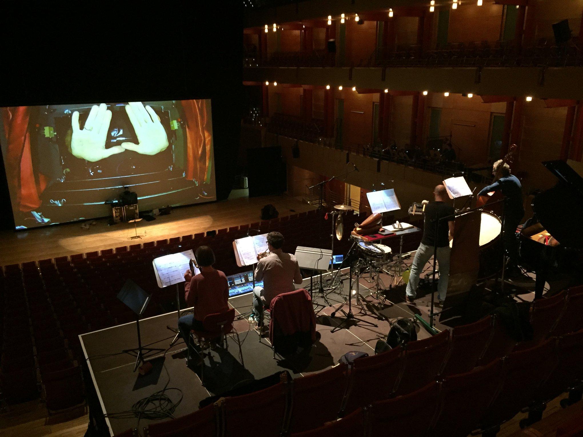playing Simon Steen-Andersen's 'Black Music Box' with Asko|Schönberg , Philharmonie-Essen, okt. 2018
