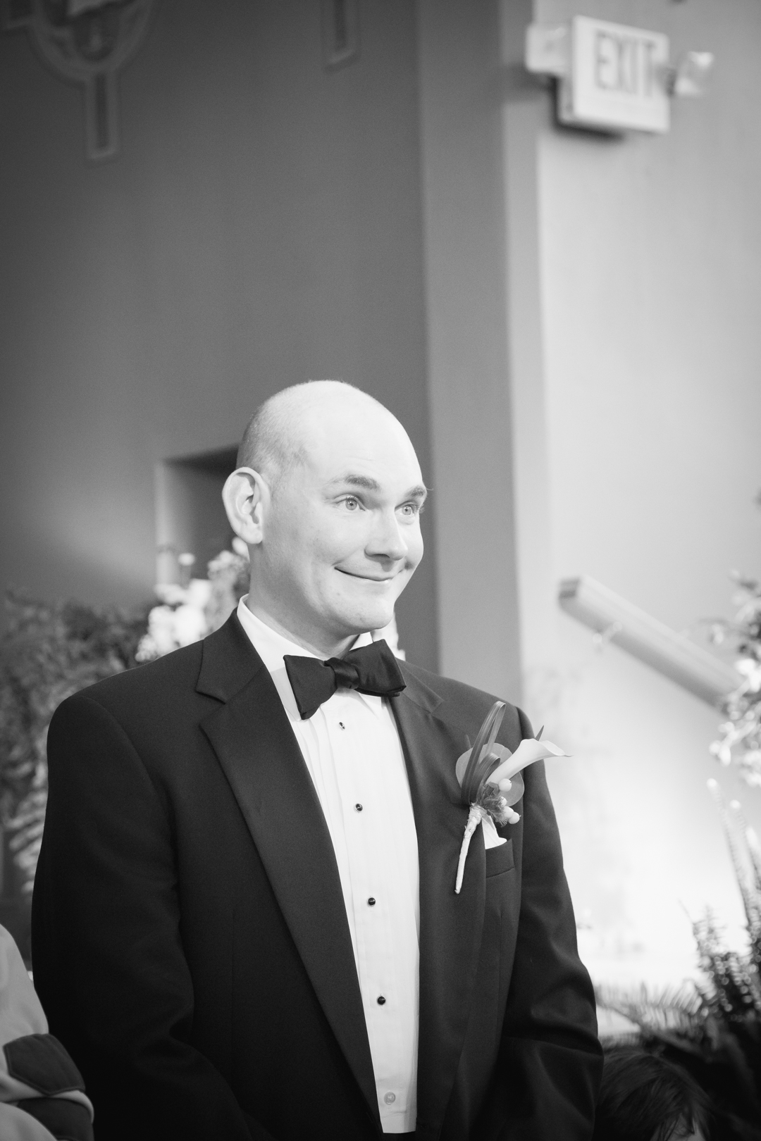 quite possibly one of my favorite groom reactions of all times.