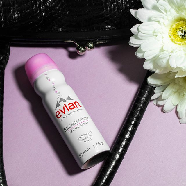 One easy application of Evian Facial Spray to refresh your look and you'll love what you see in the mirror. 💋