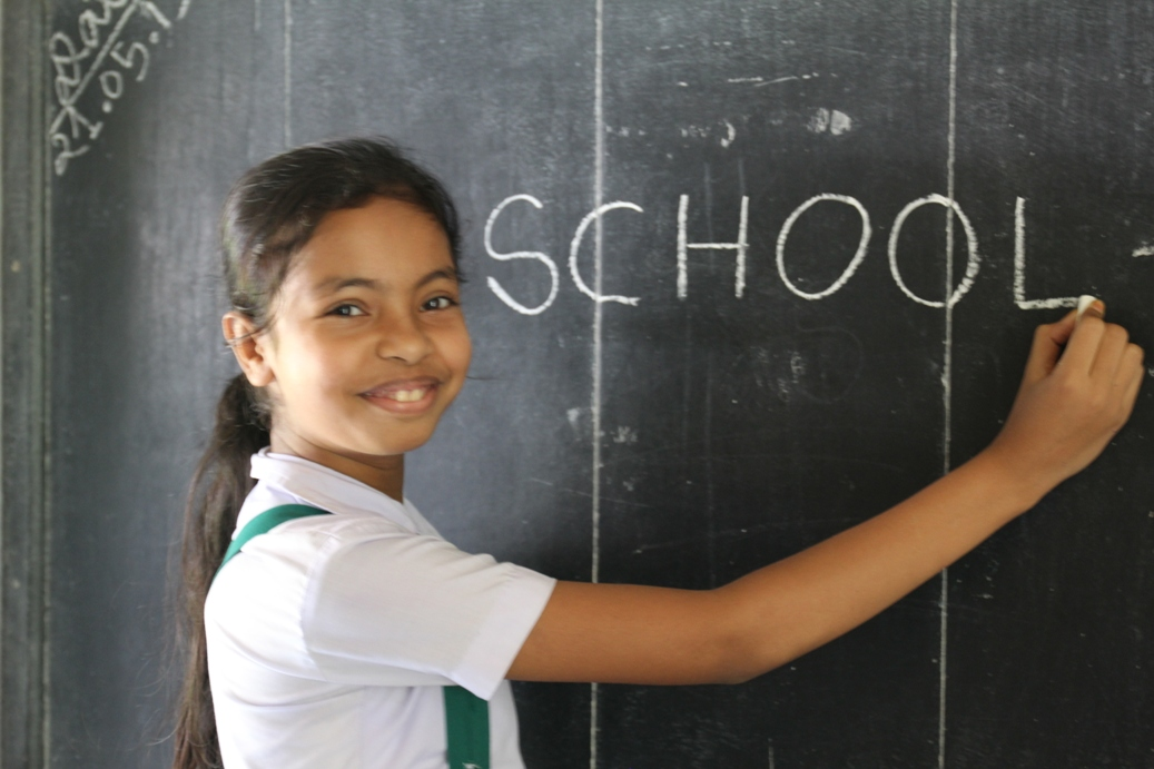 Akshaya-Patra-_Mid-Day-Meal_Beneficiary-in-a_school-_in-Assam.jpg