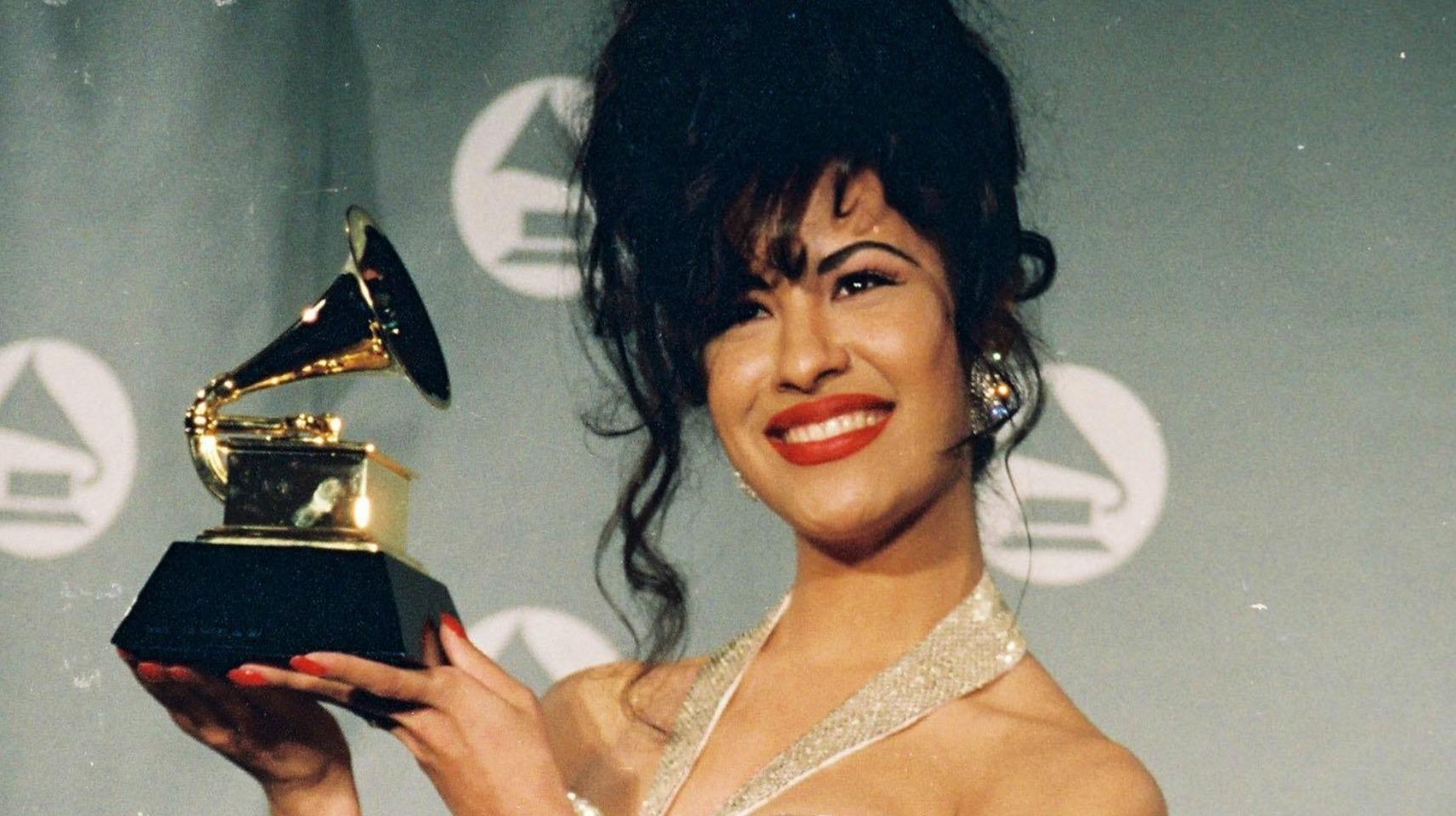 Selena - Bidi Bidi Awesome.
