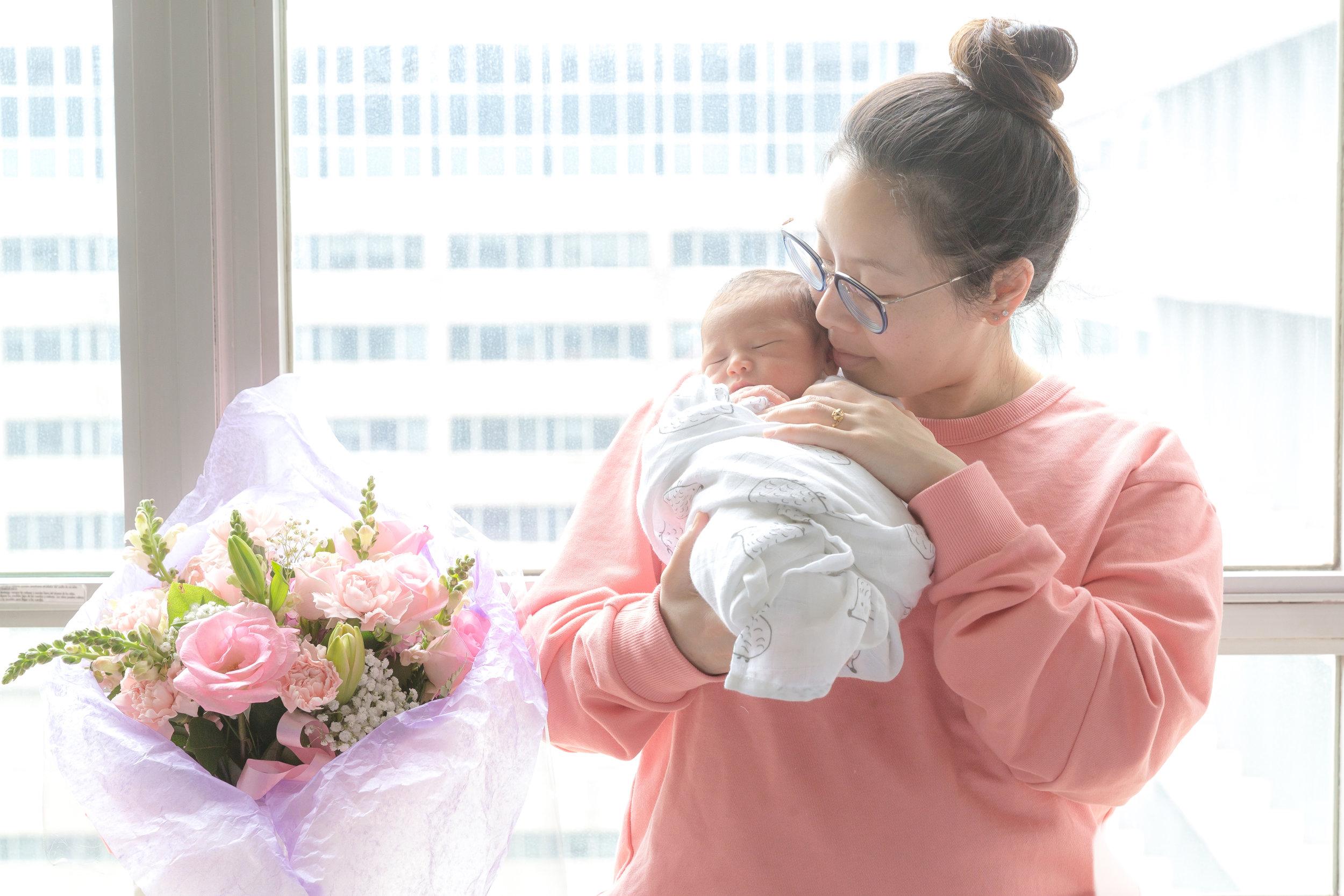 NEW MOM ALERT - Birthin' & Twerkin' ((305)) Mama Ellen