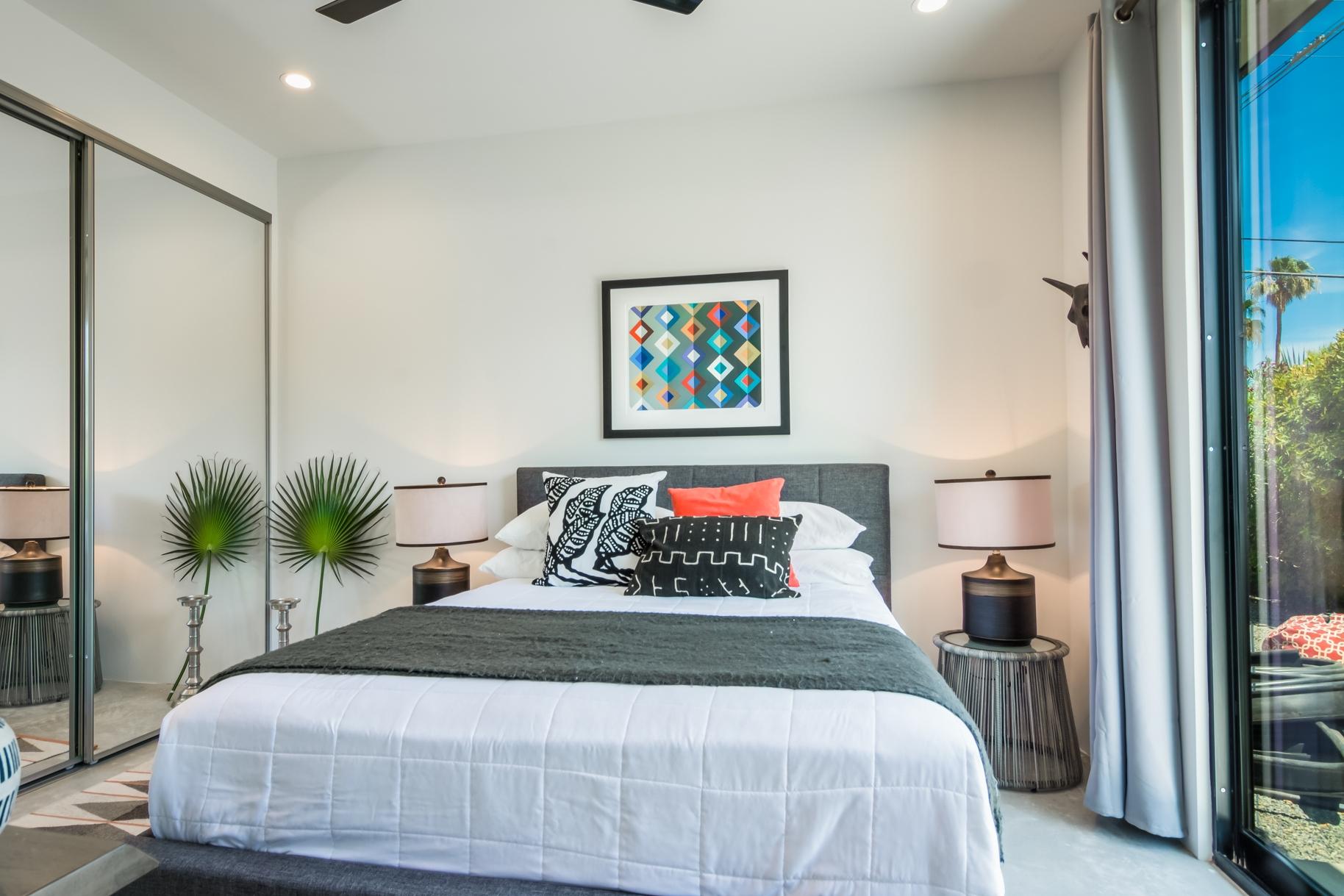 Palm-Springs-Modern-Bedroom