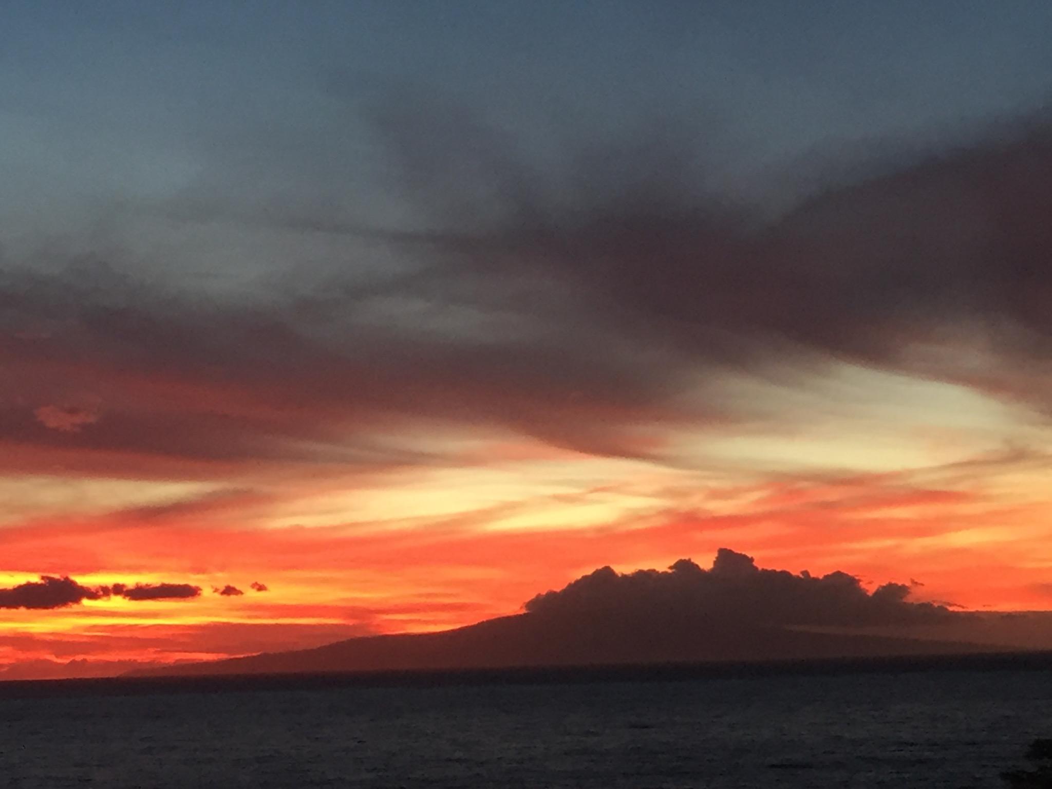 Hawaii_ sunset_7170.jpg