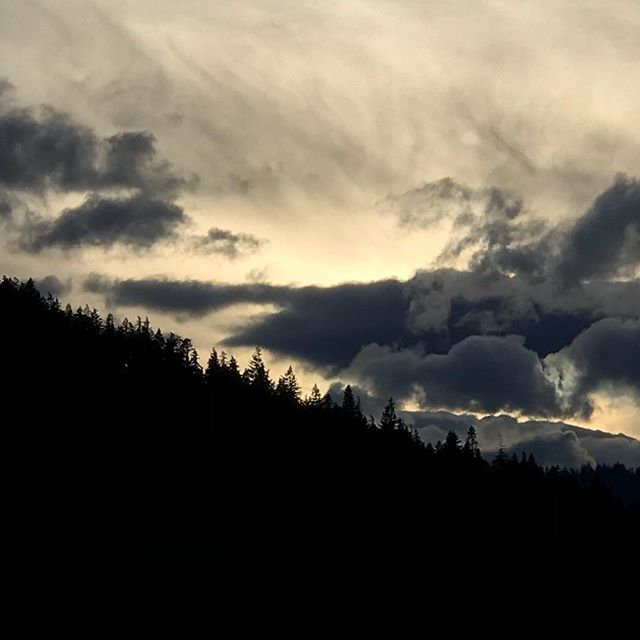 The glory of the Cascades. #pnw #nofilter #bearvistamarketing