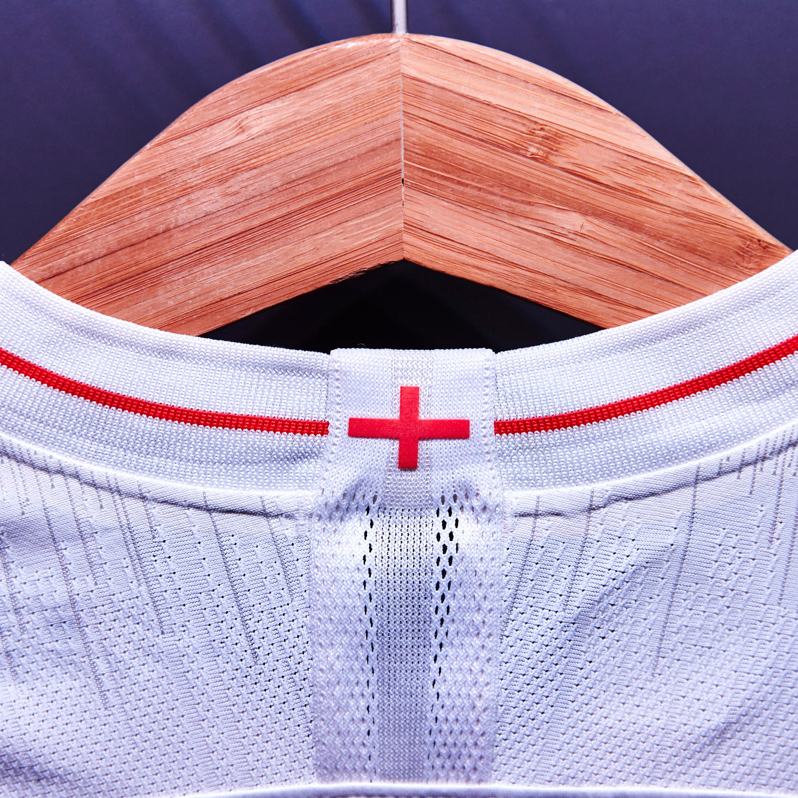 Nike-News-Football-Soccer-England-National-Team-Kit-5_square_1600.JPG