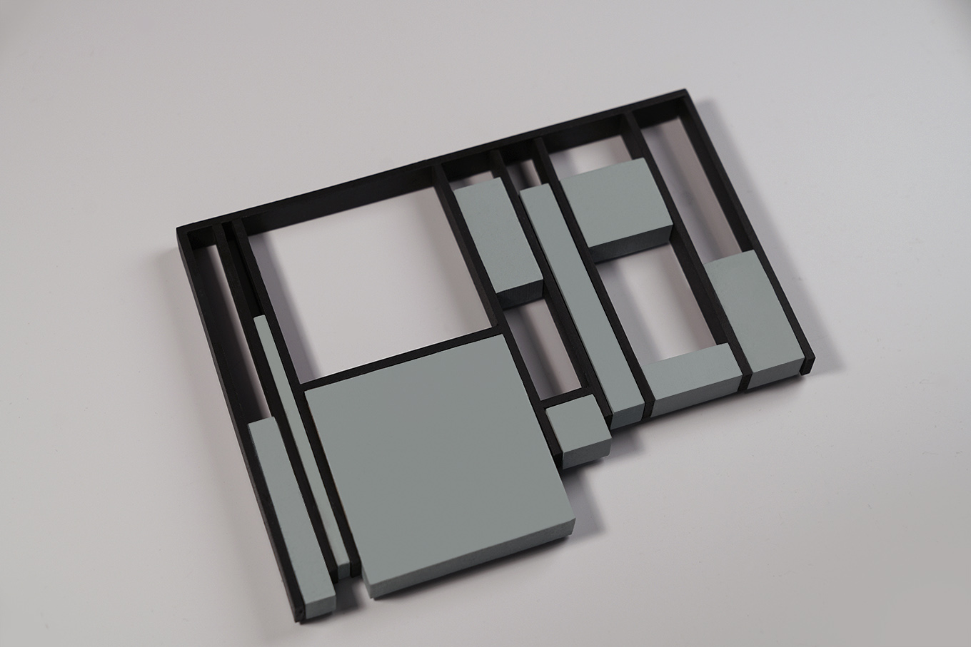 metal frame trivet with stone blocks