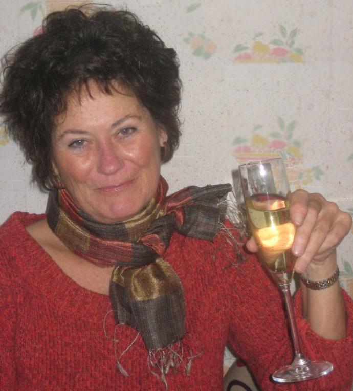 Robin DeLong  European Associate -Product Specialist