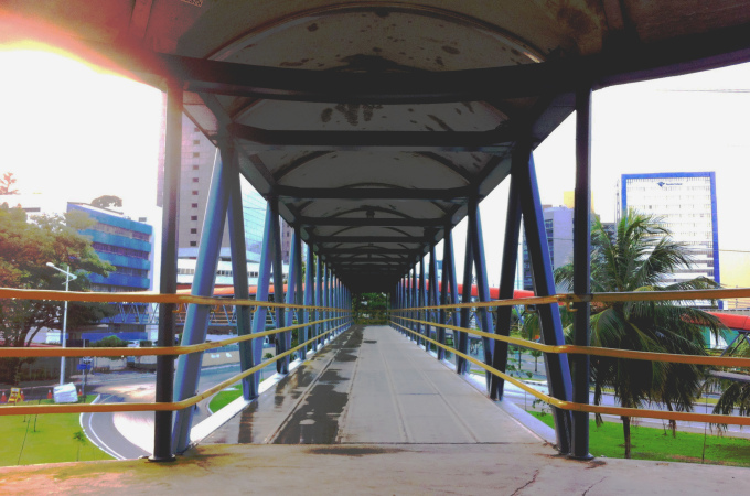 Footbridge around 7pm in Stiep; Salvador, Brazil (Photo by Mirna Wabi-Sabi).
