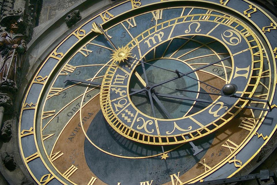 External-Clock-Clock-Old-Clock-Clock-Shield-2945350.jpg