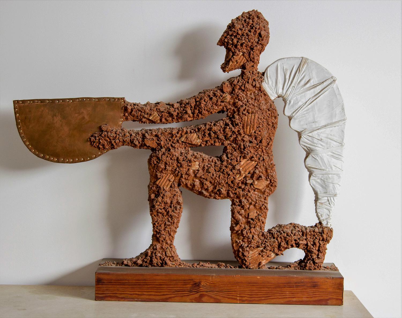 יובל דניאלי, מנחה, עץ נחושת וחרסים, 1989 | קרדיט צלם: תמי סואץ