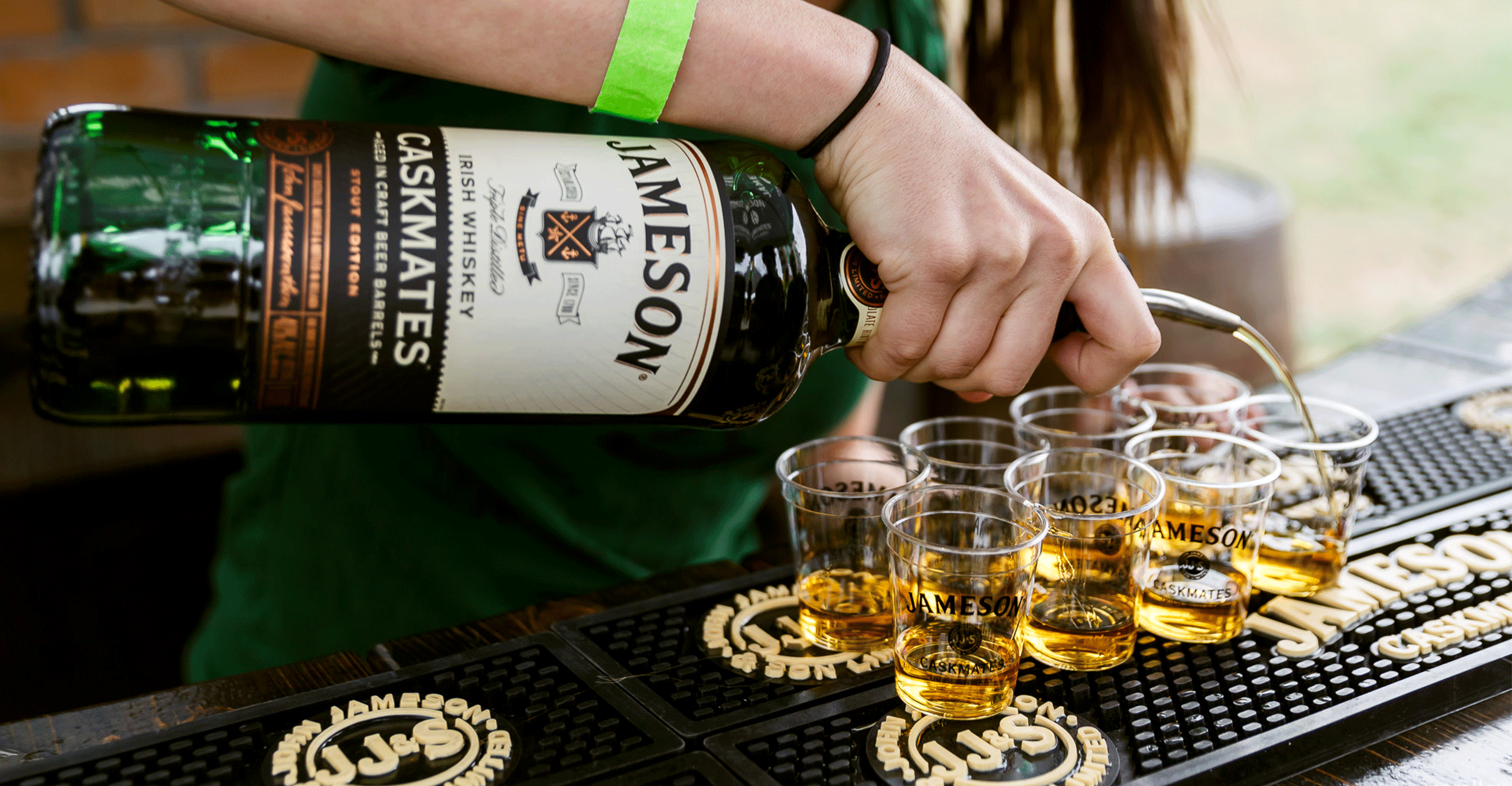 Jameson-Pouring.png