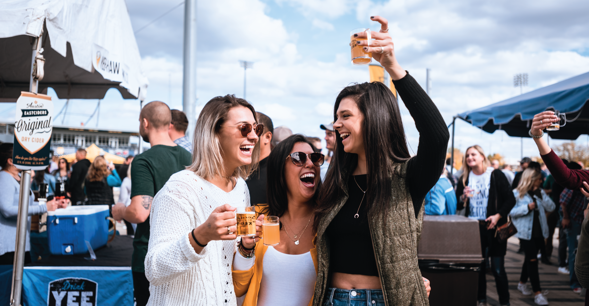 NASH-imagery-girls-beer.png