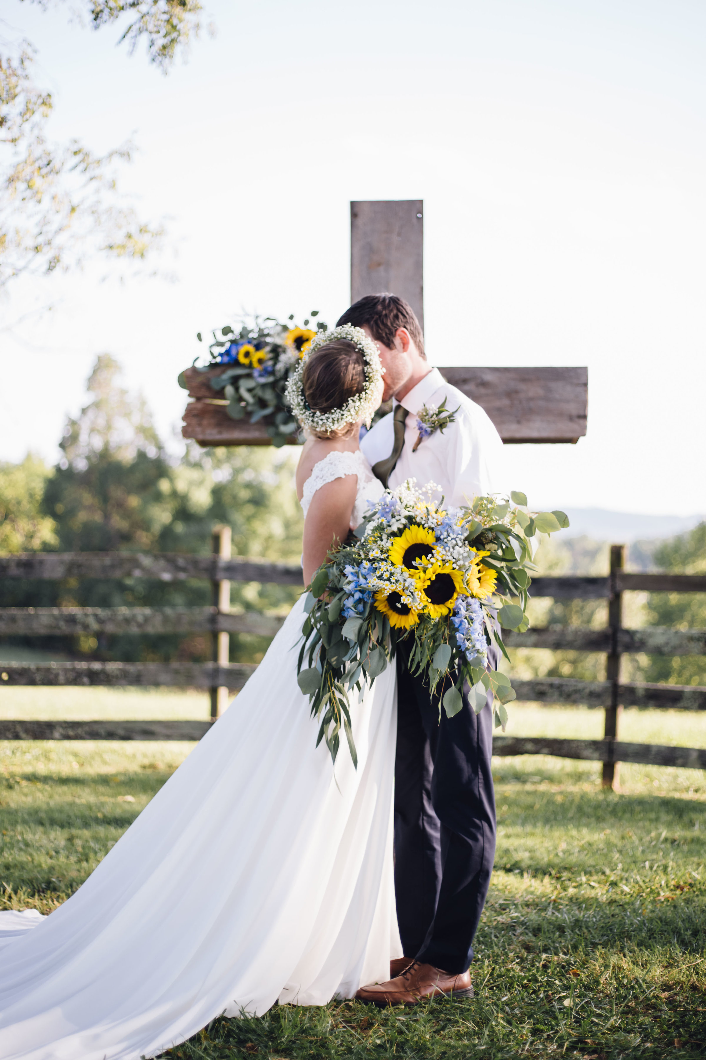 Heather & Jonathan - Photography by Laurel Creative