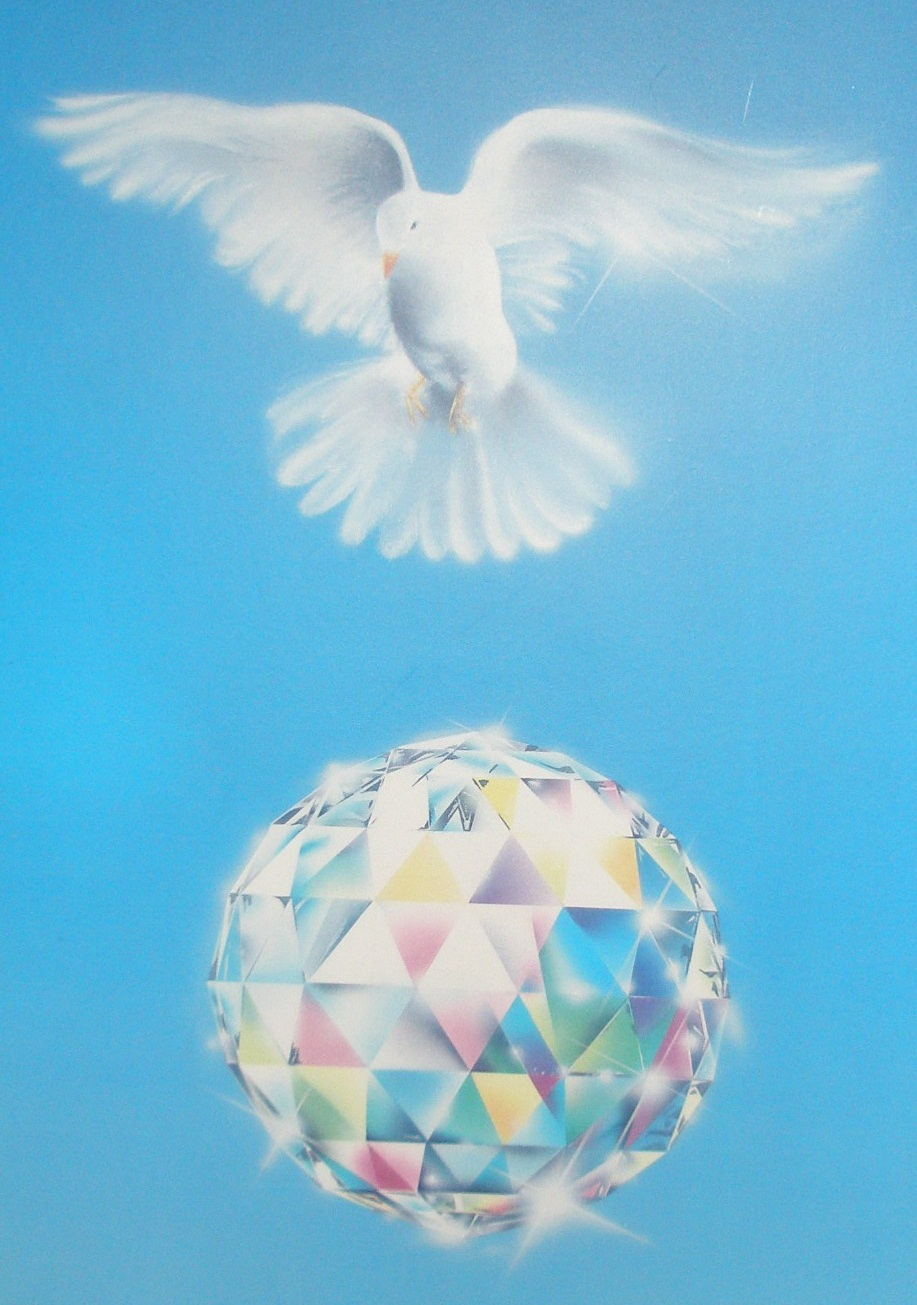 Dove and Crystal ©  Prosveta S.A.