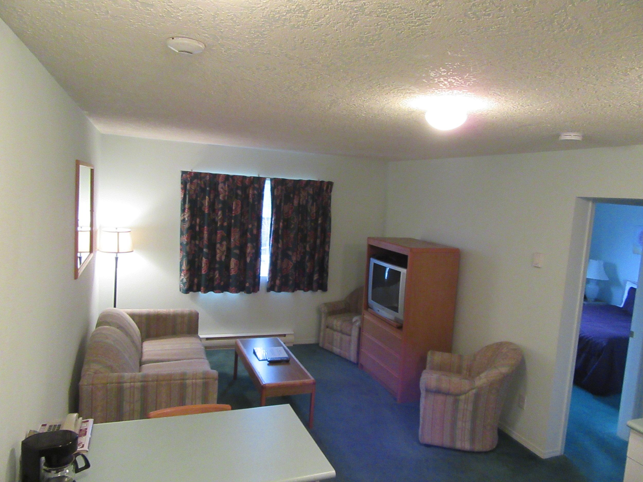 008 1 bed suite.JPG