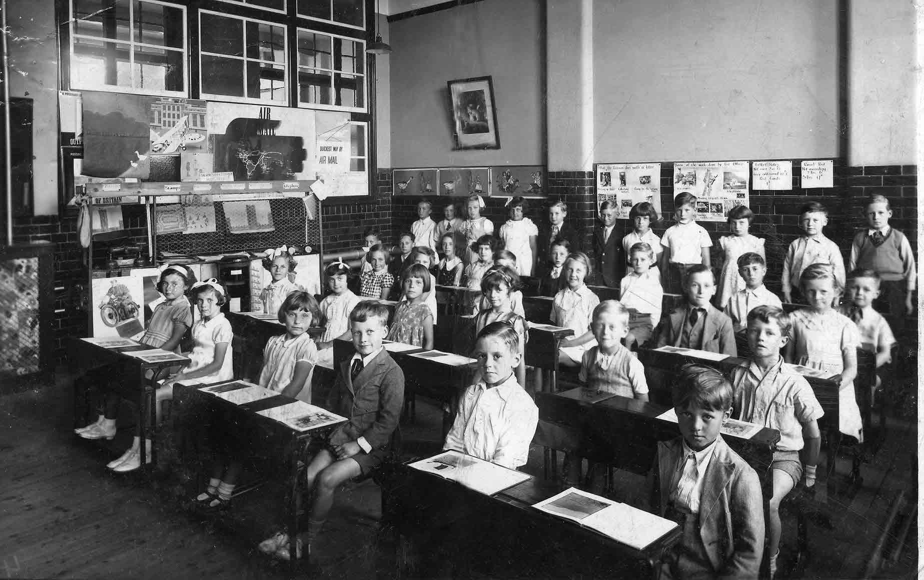 1920 classroom.jpeg