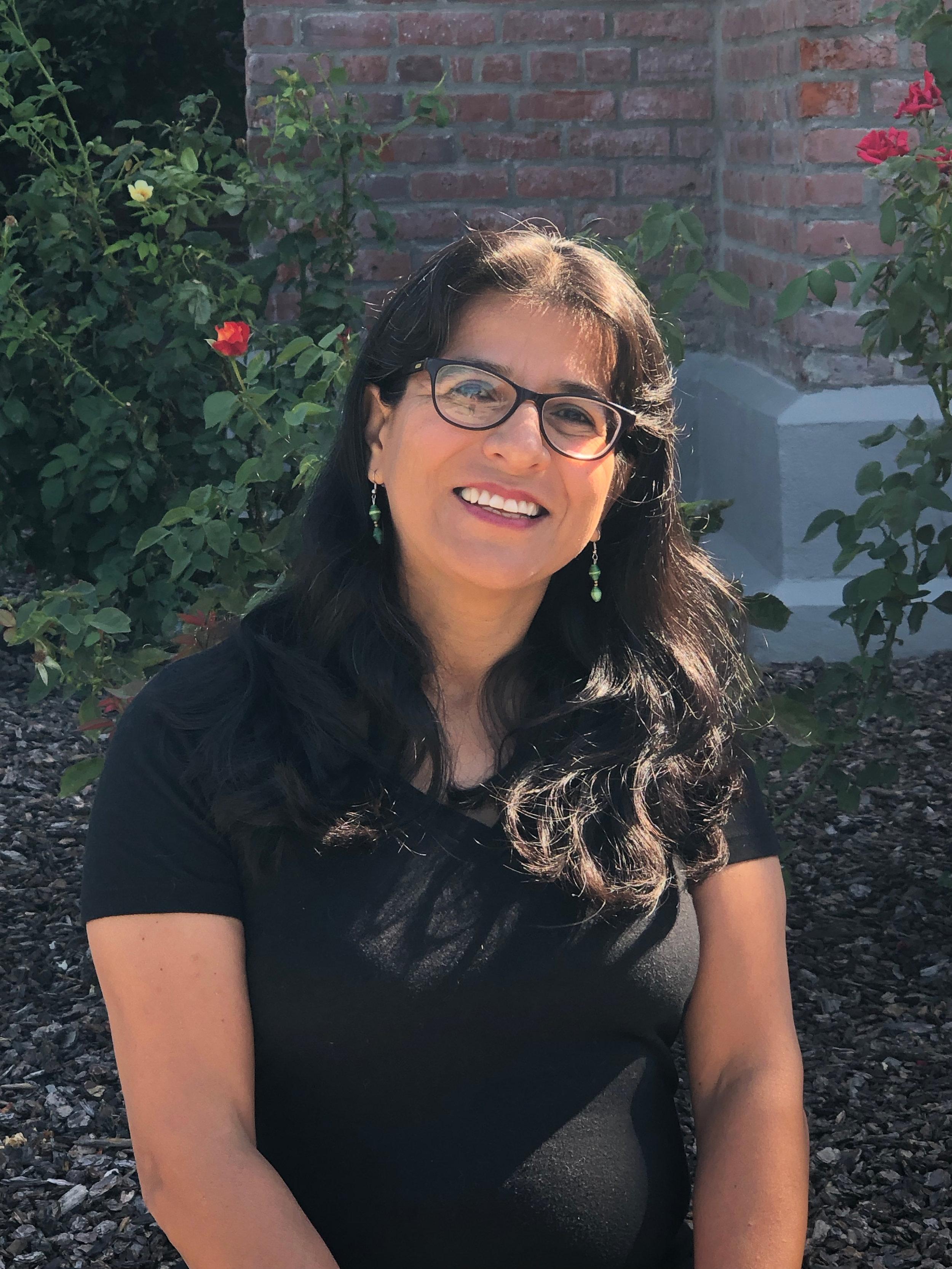 Nelly Pilares  Teacher, Spanish   nelly@willowpublicschool.org